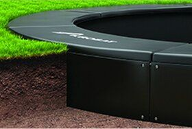 Akrobat Primus professionele trampoline Flat to the Ground rechthoekig 330 x 250 cm met premium beschermrand zwart