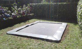 Akrobat Primus Flat to the Ground Pro Trampoline 430x305 Zwart