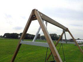 Professionele hout-stalen schommel 4 staanders met 2 haken ovaal