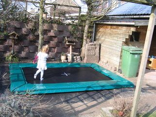 12 Springs Rekrea Bouncer trampoline Extra Groen inground met hardhouten bekisting 28 mm Groen